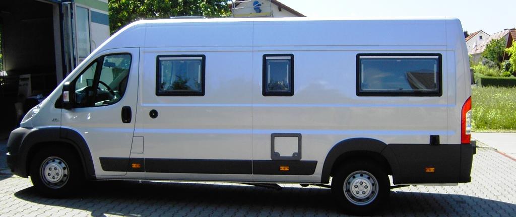 wohnmobil motorrad reisemobil motocamper transporter. Black Bedroom Furniture Sets. Home Design Ideas