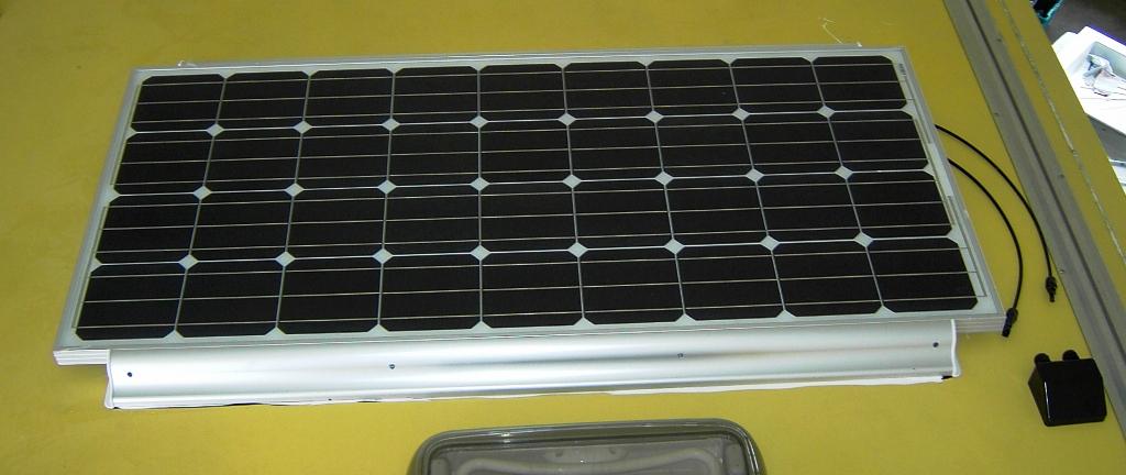 solaranlagen f r reisemobil campingsolar wohnmobil. Black Bedroom Furniture Sets. Home Design Ideas